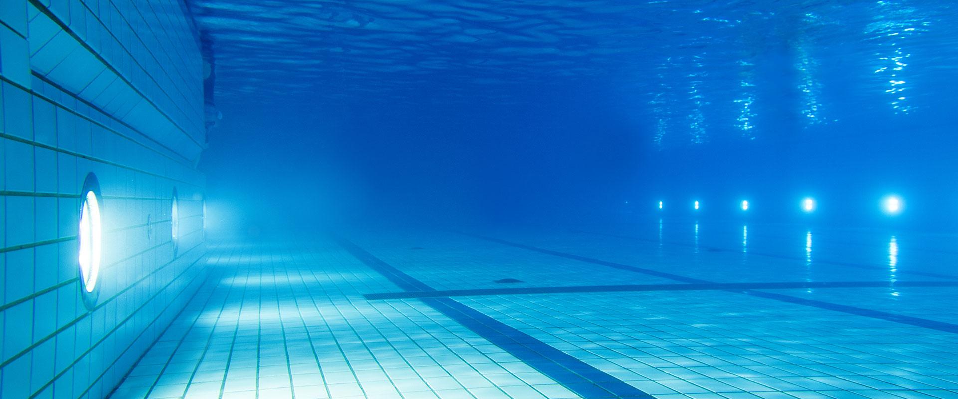 Unterwasserbeleuchtung hugo lahme ihre experten f r schwimmbadtechnik for Underwater luminaire for swimming pool